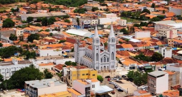 Picos Piauí fonte: www2.picos.pi.gov.br