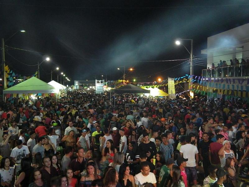 PREFEITURA DE PICOS Multidão prestigia ultima noite do São