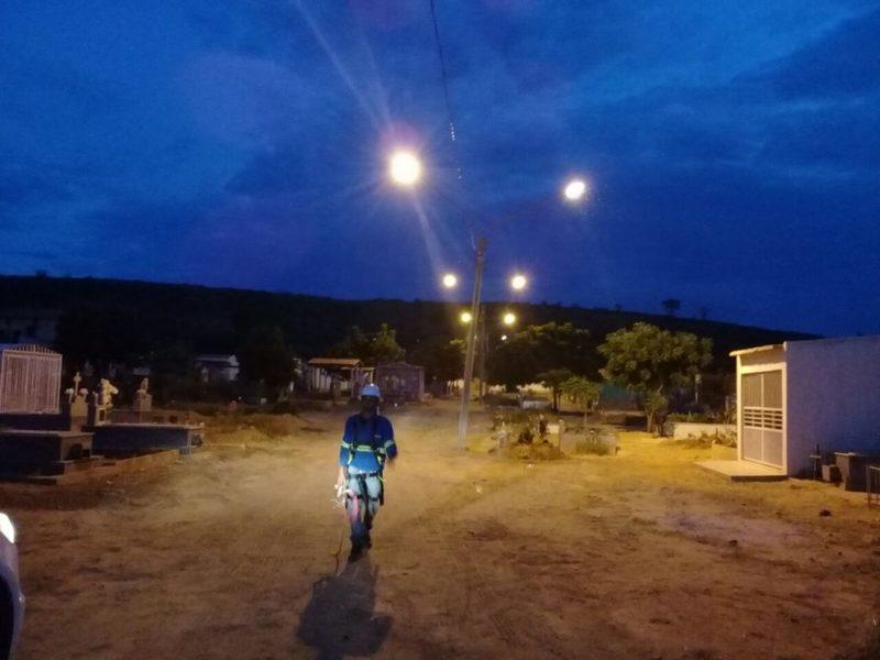 PREFEITURA DE PICOS Prefeitura melhora iluminação nos bairros e ...